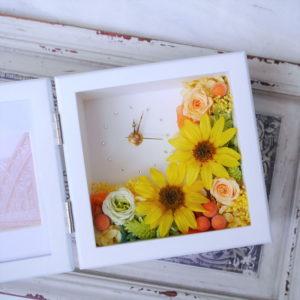 ヒマワリのプリザーブドフラワーの花時計