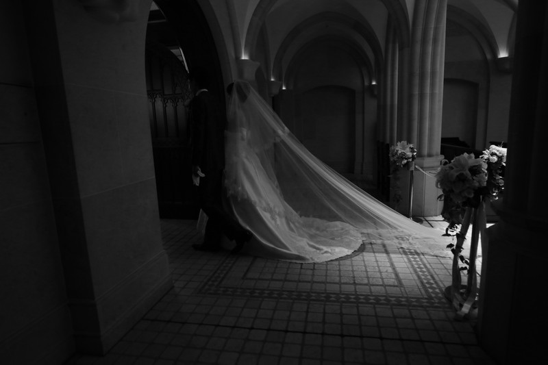 ウエディングドレスのロングヴェール