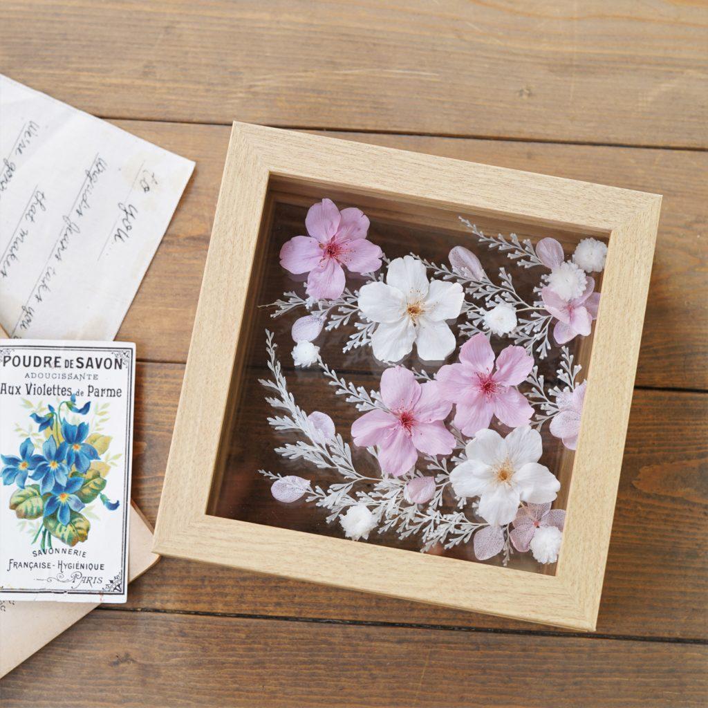 桜のプリザーブドフラワーフレーム